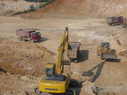 挖掘机边装车边整平-老司机 数年经验总结 挖掘机整平五大招