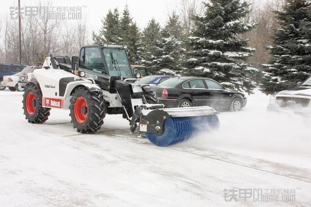 山猫多功能工具车装备斜角清扫器除雪实拍图片