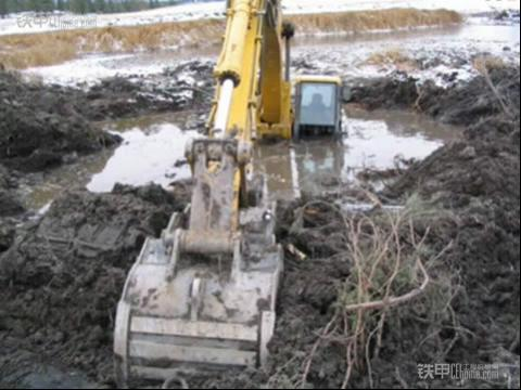 按揭买挖机的必看 挖机保险的一些知识