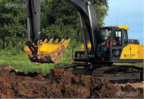 约翰迪尔 遇到如此棘手的挖掘机故障图片