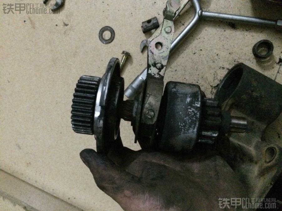 单向离合器主要作用就是防止发动机启动后反拖马达