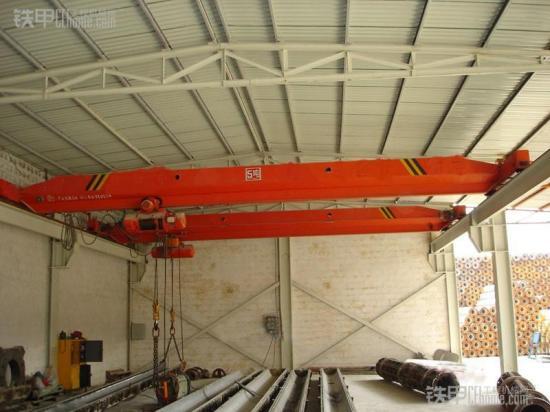 关于桥式起重机的主要技术特点的分析