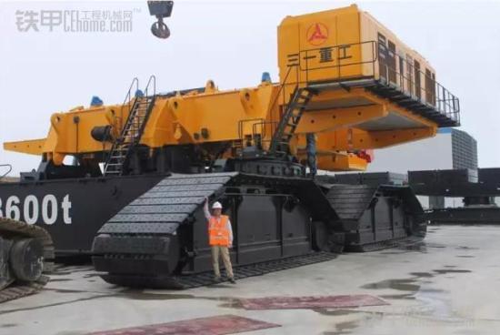 三一重工吊车300吨图片