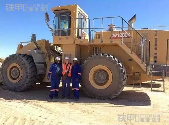 中国最大装载机徐工LW1200K鏖战非洲