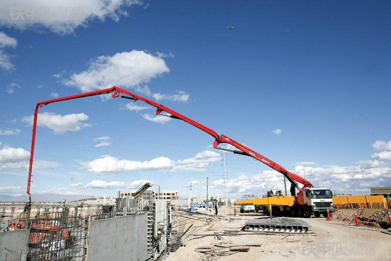 混凝土泵施工时应注意的19点安全问题(图1)