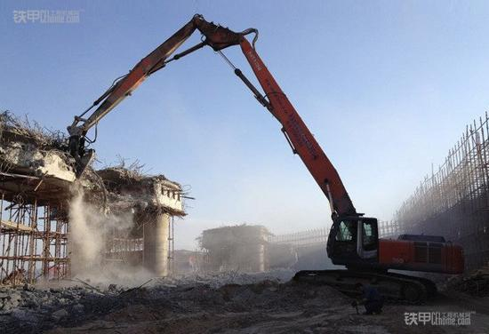 施工项目管理:机械拆除作业安全控制要点(图1)