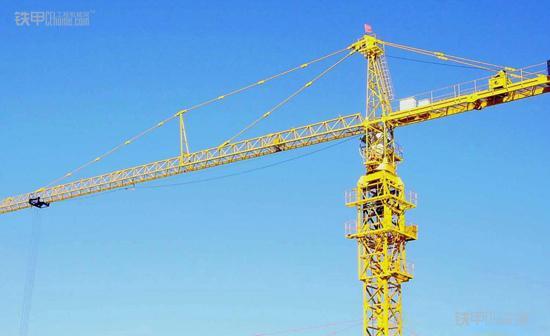 施工项目管理:内爬式塔吊的优缺点(图1)
