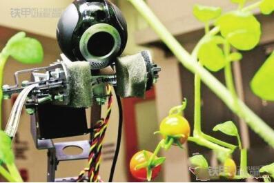 农业机器人走进田间 农机作业效率提高