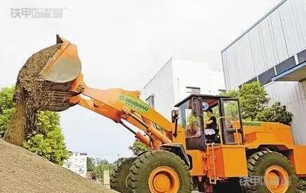 重庆研发出纯电动重型装载机节能减排 _亚搏体育APP网站