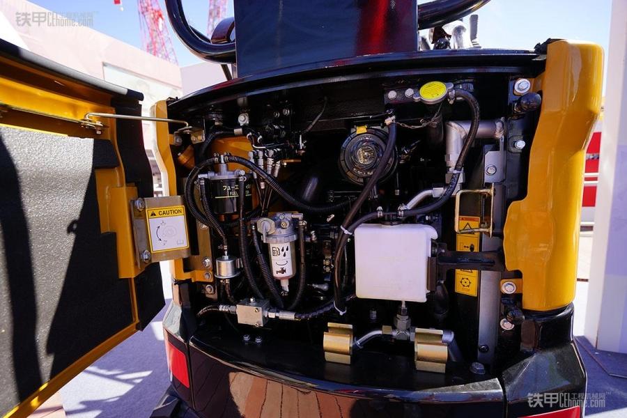 三一 小精灵 SY16C微型挖掘机闪亮拉展图片