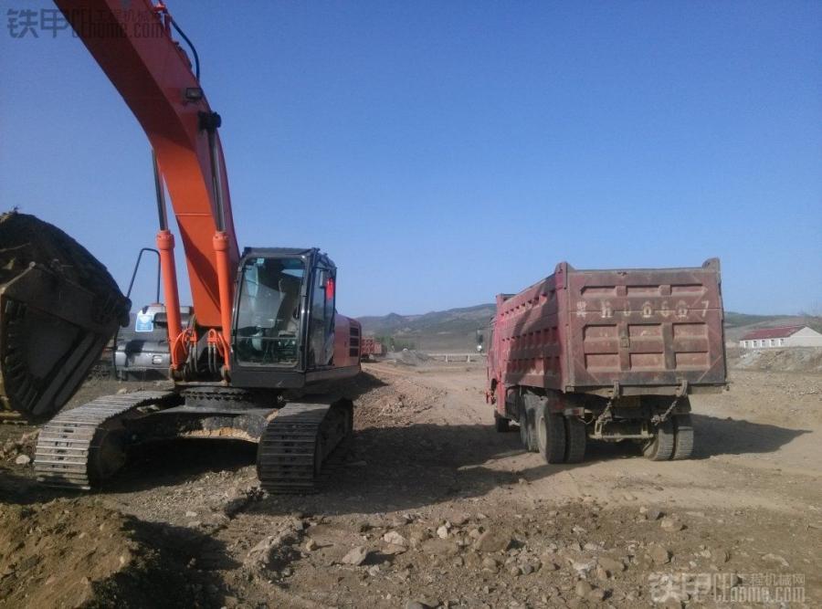 省时、省力、效率高! 挖掘机平地装车2大技巧(图1)