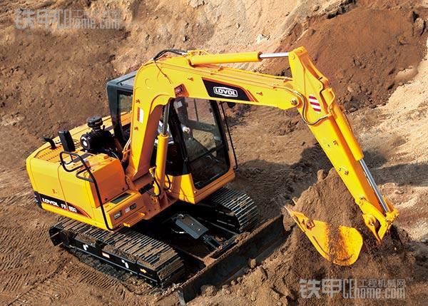 挖掘机推土铲是多余的?那是因为你不知道,它有这么多用途!(图8)