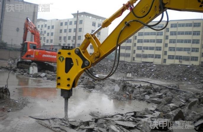 拆房碎石下水不在话下  液压破碎锤的能耐真不小!(图6)