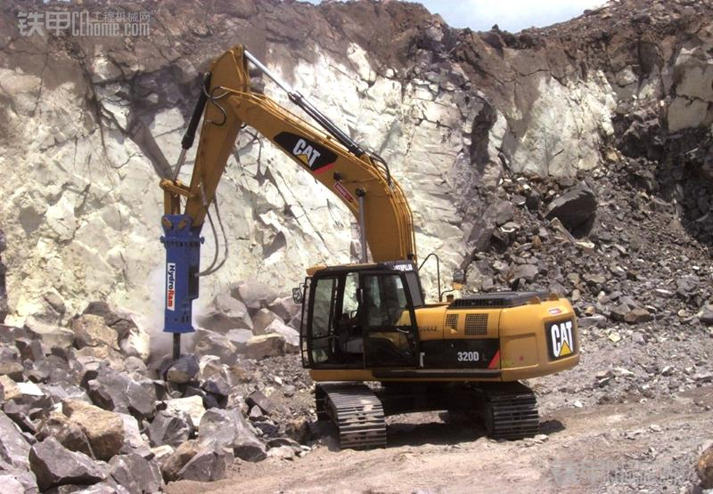 拆房碎石下水不在话下  液压破碎锤的能耐真不小!(图1)