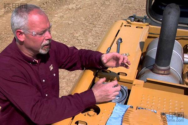 经验之谈 挖掘机如何彻底更换液压油(图2)