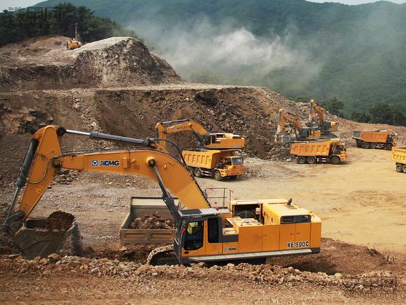 挖掘机10大高难度技术(2)——矿山作业(图5)