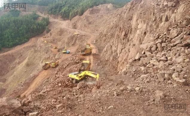 挖掘机10大高难度技术(2)——矿山作业(图4)