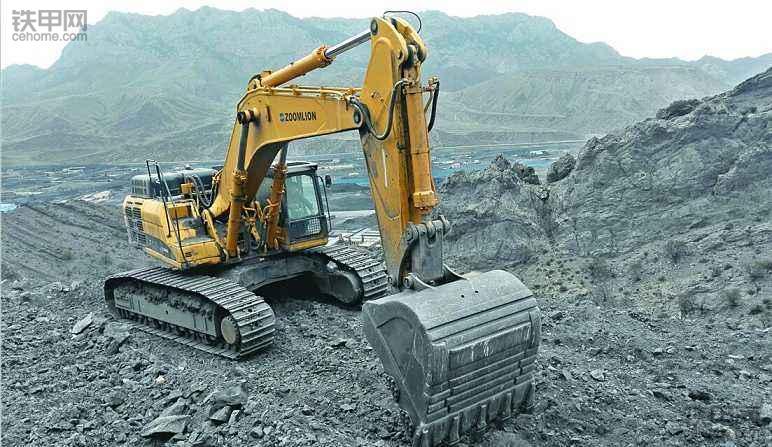 挖掘机10大高难度技术(2)——矿山作业(图3)