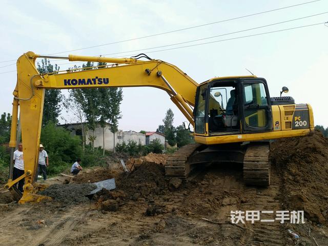 熱銷二手挖掘機top9:小松PC200-8