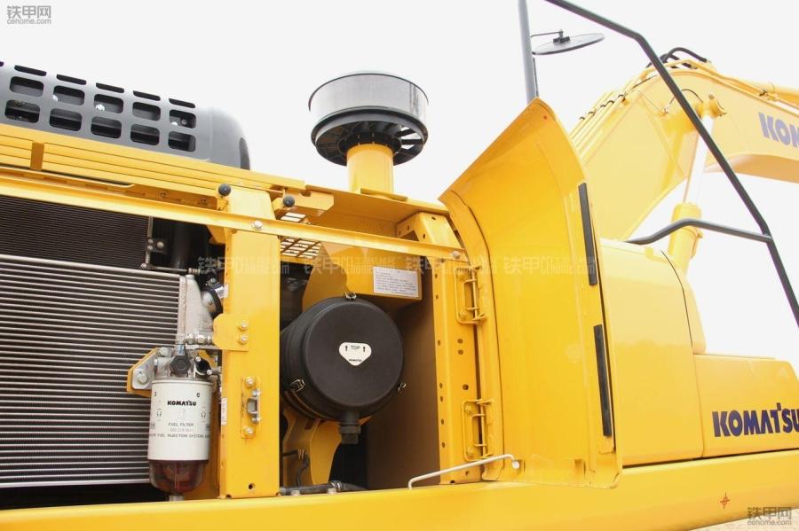 挖掘机保养须知:更换空气滤芯的注意事项有哪些?(图1)