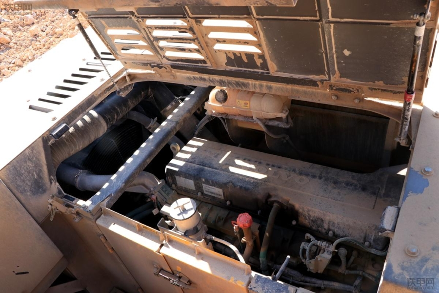 快收藏!挖机发动机掉速的8大原因,6种解决方法都在这!(图1)