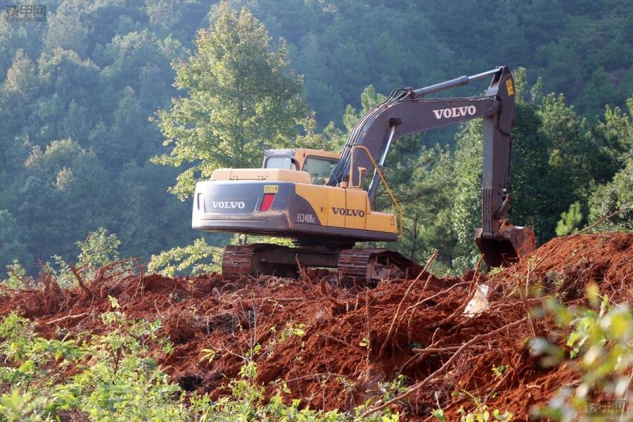 挖掘机为什么打不着火?怎么解决?老司机给你答案!(图1)