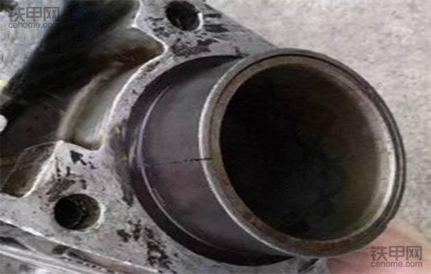 挖机机油又进水了? 这5大原因是关键(图2)